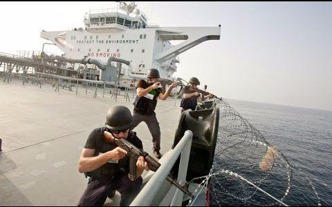 货轮船员与索马里海盗激烈交火,这只是其中一个回合