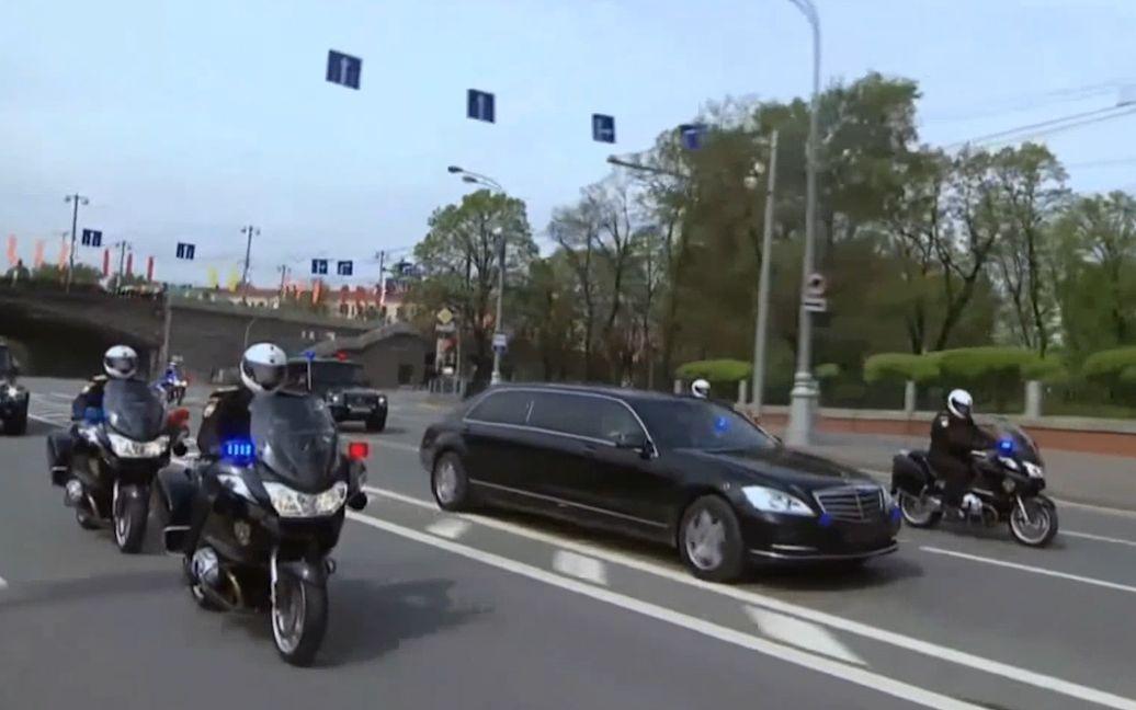 普京车队遇上堵车,接下来护送车的霸气表现,令人大开眼界