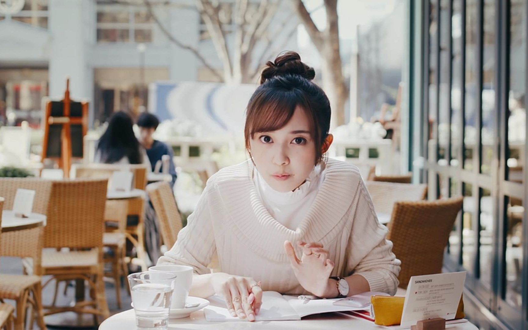 小宫有纱�9g�[_[中字] 为了能够告白而努力向老师学习法文的小宫有纱
