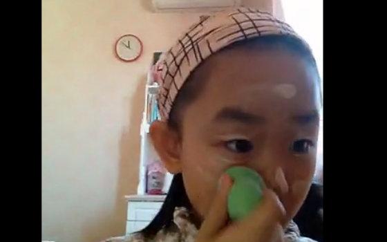 萌萌的小学生妹子三分钟化妆挑战