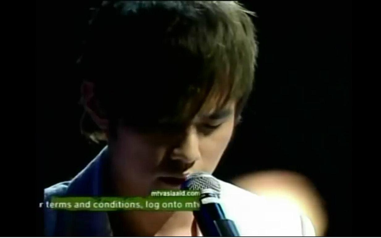 【live】周杰伦 - 蜗牛 & 七里香 2005mtv亚洲音乐大奖图片