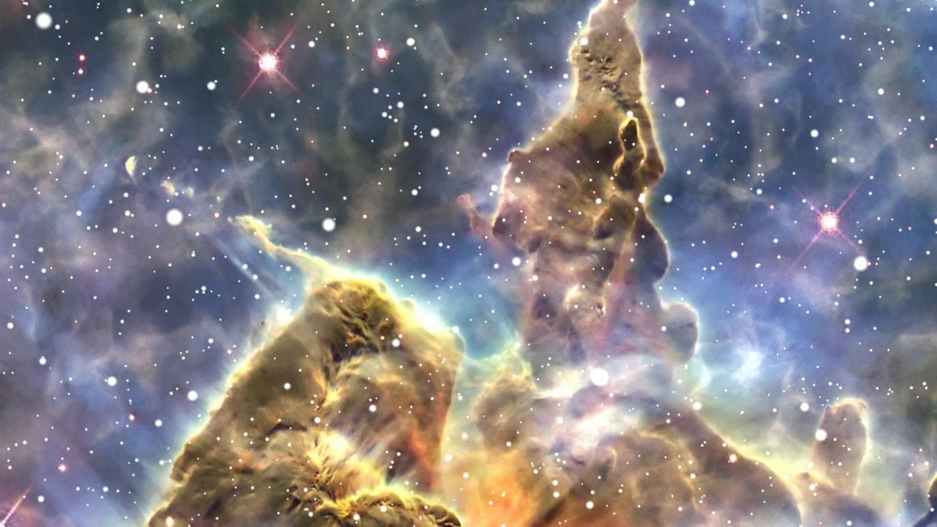 哈勃太空望远镜拍摄泡泡状星云画面.