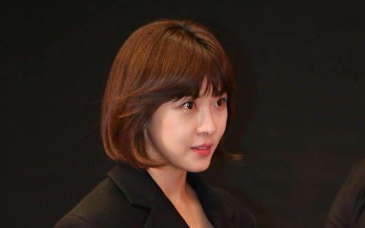22届釜山国际电影节《追捕manhunt》记者招待会全场