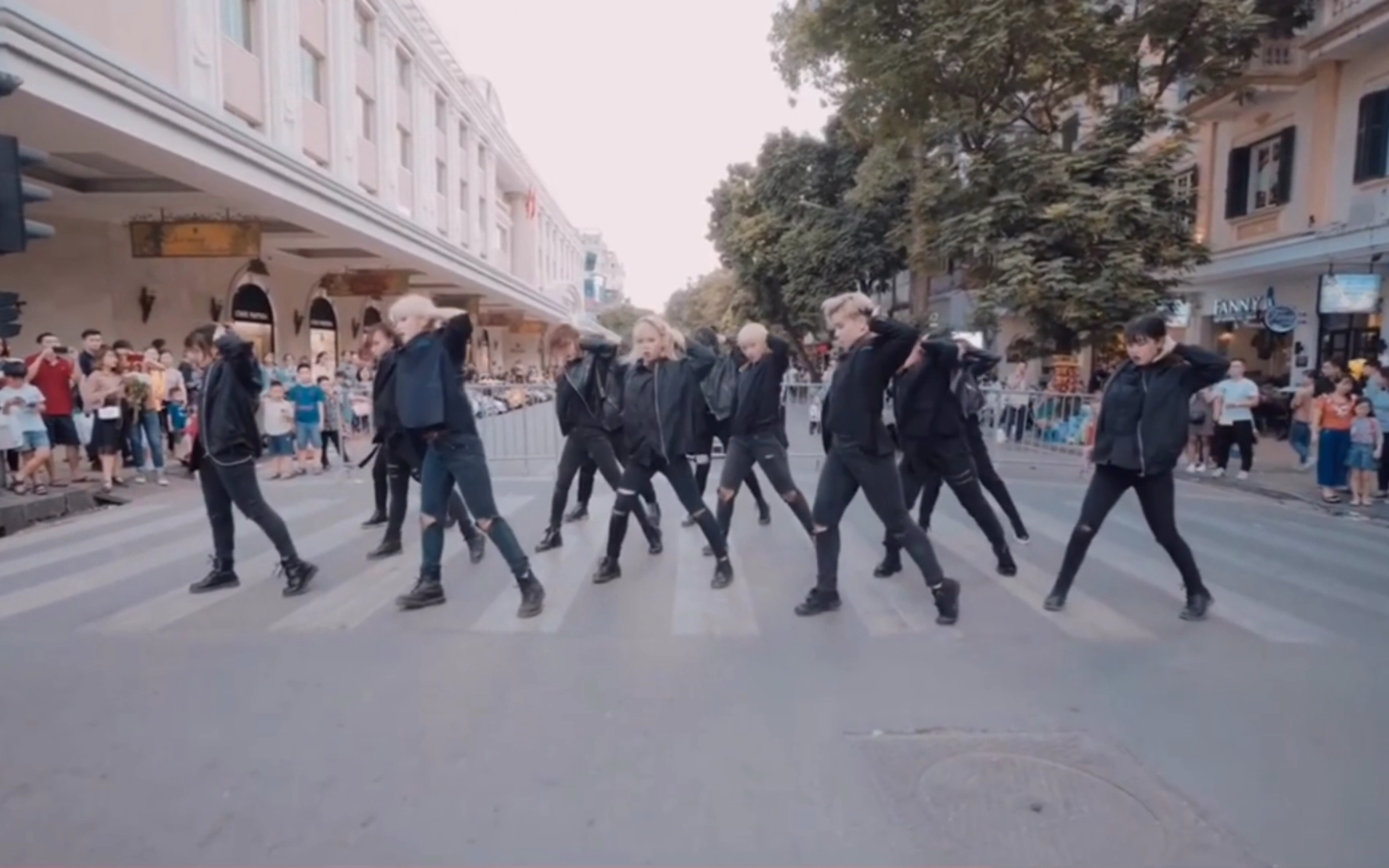 【SEVENTEEN】国外克拉超帅的 CALLx3 cover!!!in public~