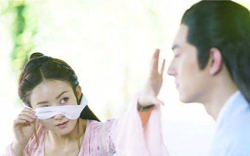 楚乔传情侣剑被当面戳破 赵丽颖林更新气氛尴尬图片