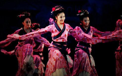 编导:孙颖 节选自古典舞剧 铜雀伎 cctv舞蹈大赛版本~ 小提示:直接在图片