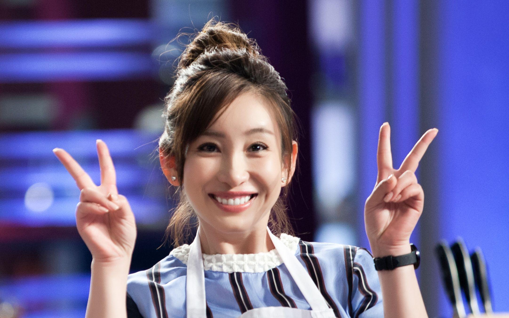 亚洲孕妇性狂15p_中国有哪些歌手进过☆美国billboard公告榜前100名★,还有亚洲那些