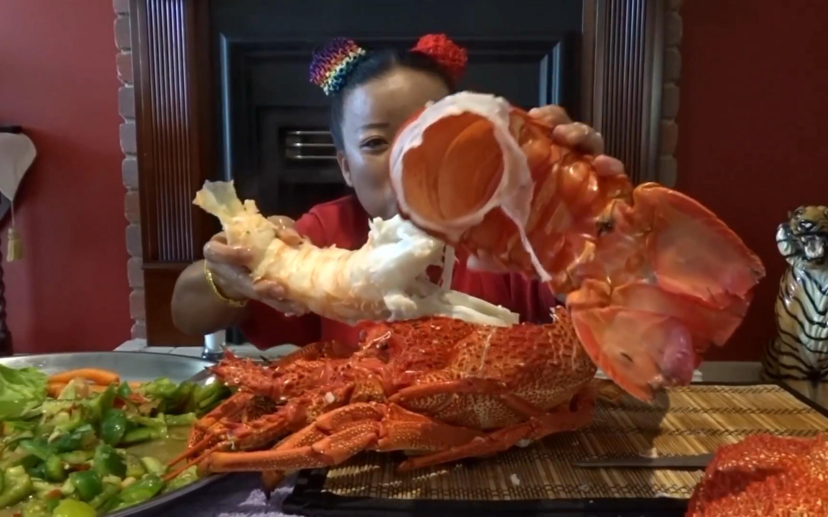 【吃播】泰国阿姨吃超大龙虾