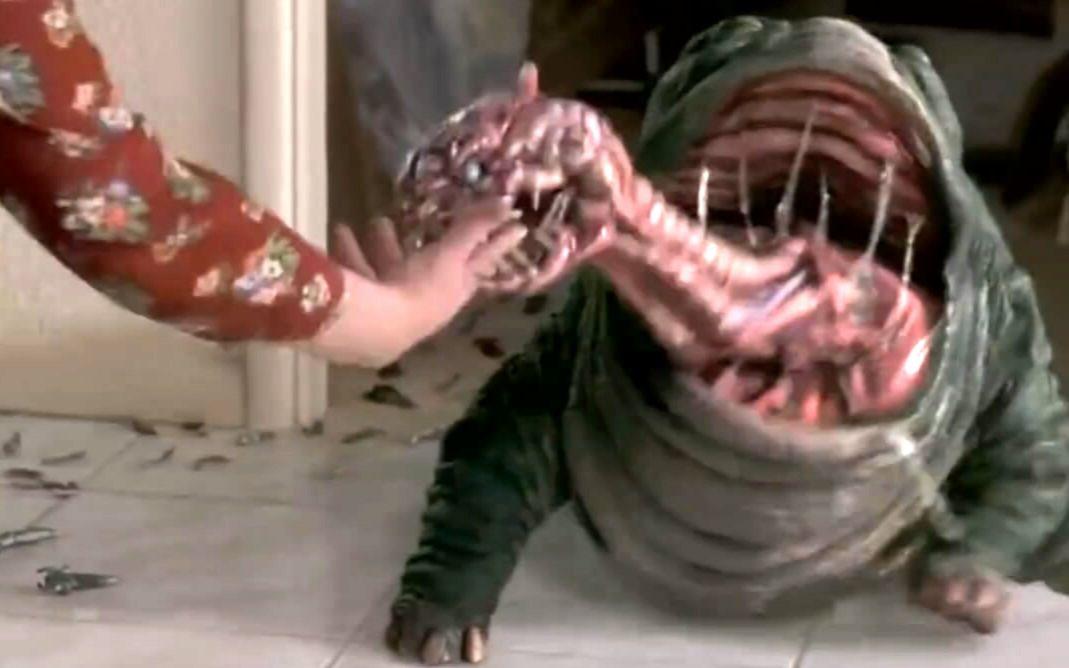 【将军】几分钟看《进化危机》外星细菌超进化!口器兽品尝人掌!