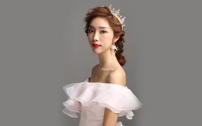 2018年流行的新娘盘发发型,韩式新娘盘发教程  01:50  b站 皇冠新娘