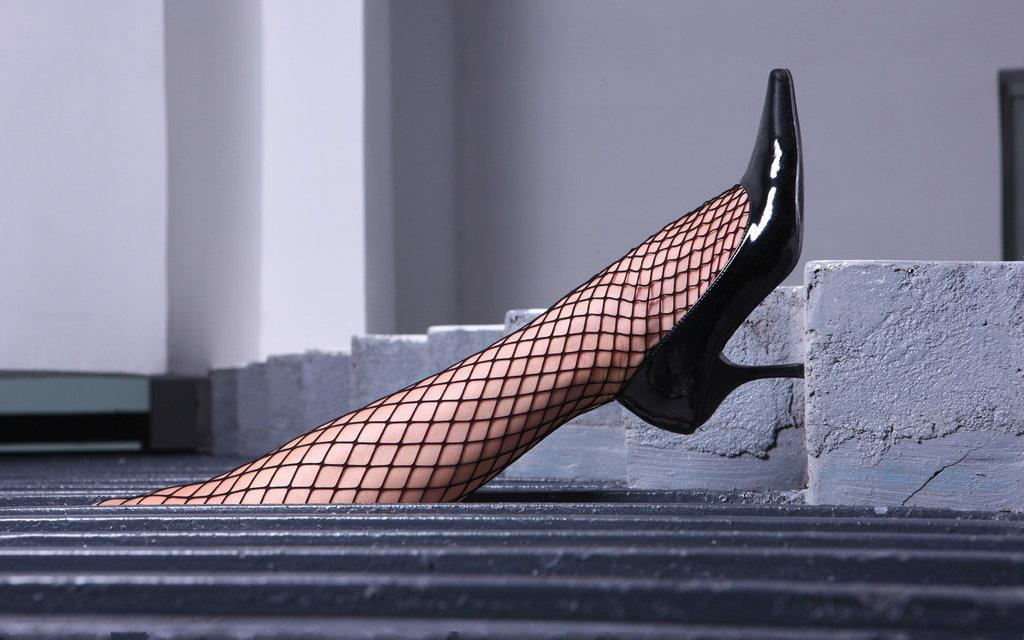 迷恋女友穿高跟鞋和丝袜是心理变态吗?