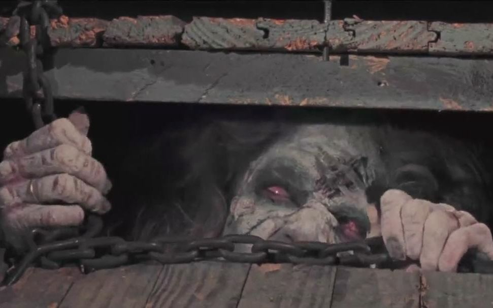 【暴影君】7分钟看完美国恐怖片《鬼玩人》被咒语唤醒的地底魔怪