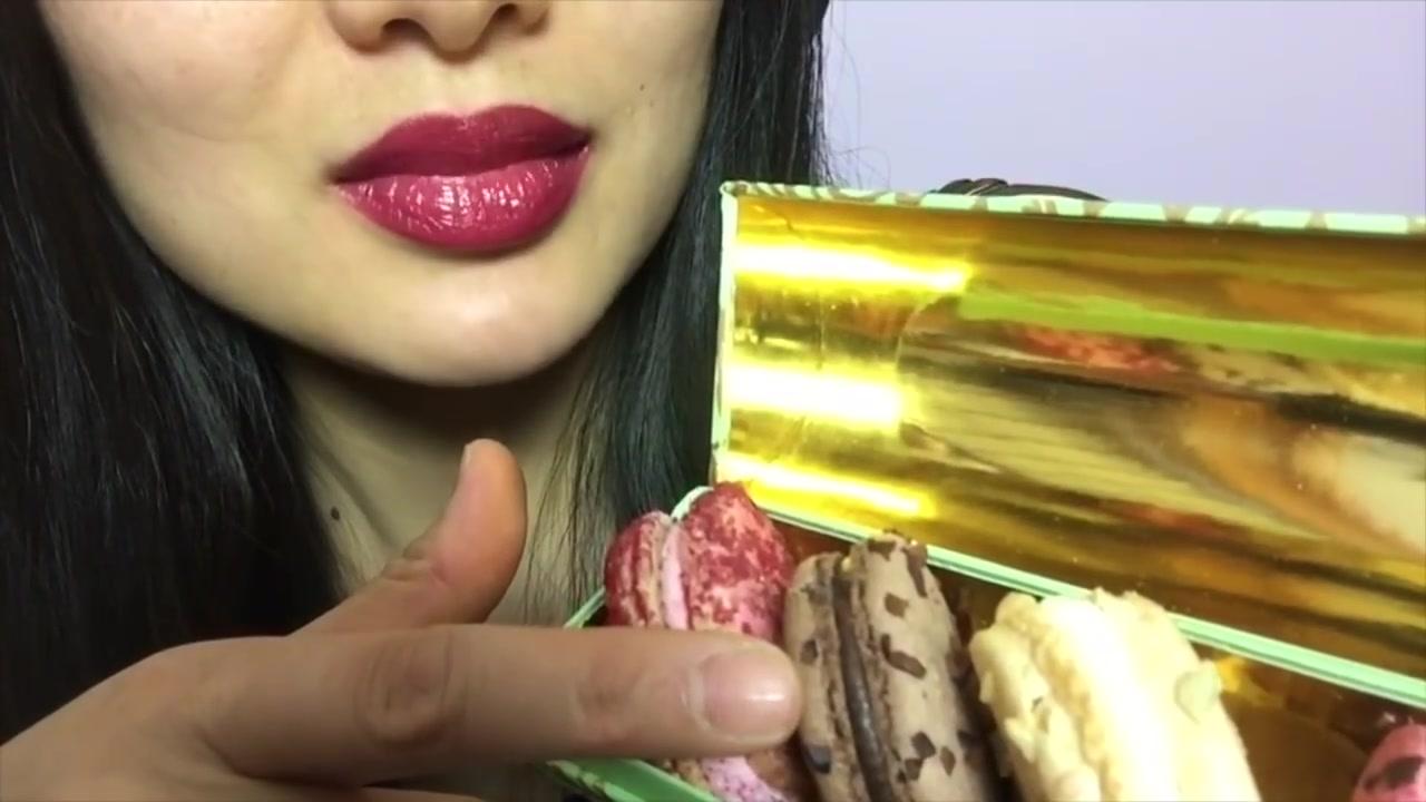 """Asmr Sas Asmr Ɨ©æœŸè§†é¢' Őƒé©¬å¡é¾™1分18秒有talking ŧç¦»é•œå¤´æœ‰ç'¹è¿' Ňå¤""""ç'¸éº¦ä»‹æ""""å‹¿çœ‹çœ‹äº†å‹¿å–·è°¢è°¢åˆä½œ œ""""哩哔哩 Makeup lipstick hair care seafood boil *recipe for asmr   sasvlogs instagram: 哔哩哔哩"""