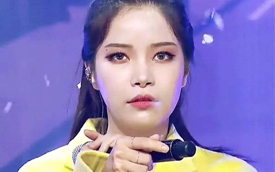 【韩网热议】金容仙的表情:自己一个人先做了手部动作而导致大脑一片空白