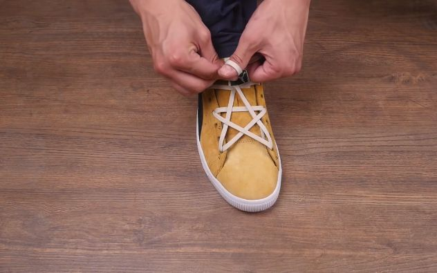 花样系鞋带,没想到这样系鞋带比穿限量款球鞋还炫酷?图片