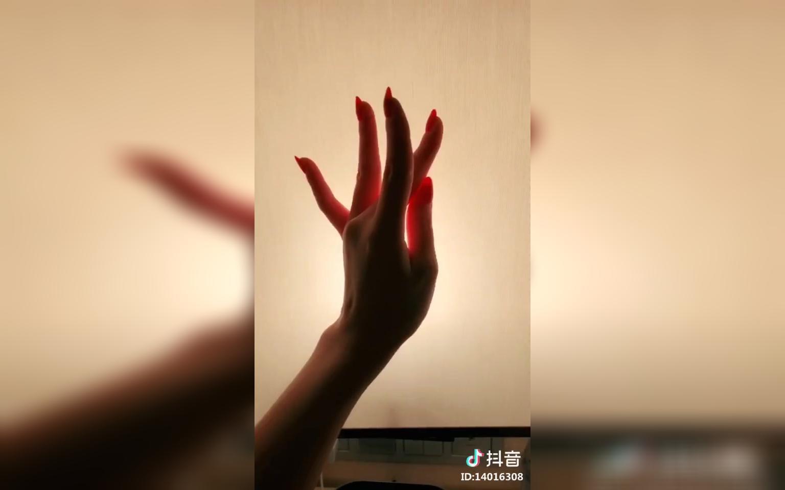 纤纤玉指如青葱 京剧兰花指手势