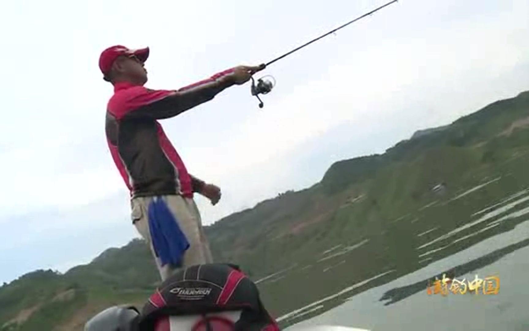 钓鱼小药的使用方法 如何自制钓鱼小药 中草药钓鱼配方
