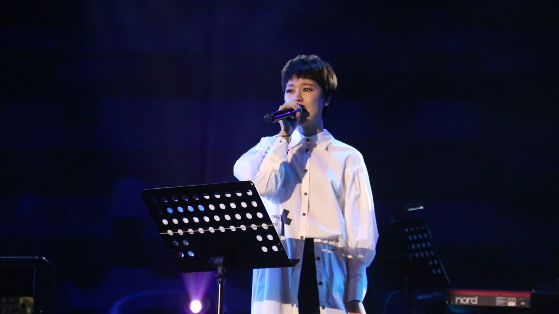 点赞郁可唯演唱weareone半妖倾城主题曲live一个很好听的英语