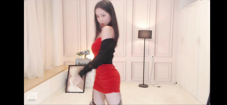 淼淼喵酱 --红裙热舞