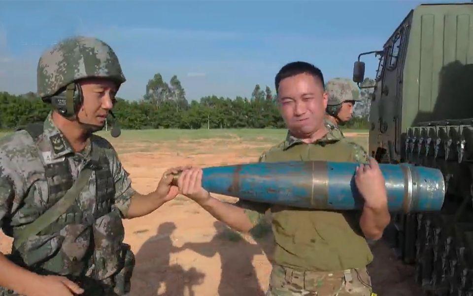 别再被电影骗了,155毫米榴弹炮到底有多重?
