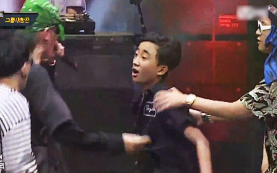 少年韩国综艺上大喊:老子来自中国,霸气回怼现场挑衅,那些节目中豪气回应我是中国人的爱豆们