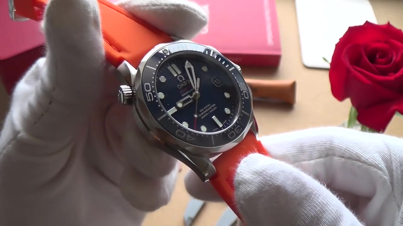 omega seamaster 007 blue ceramic 300m co-axial midsize 212.30.