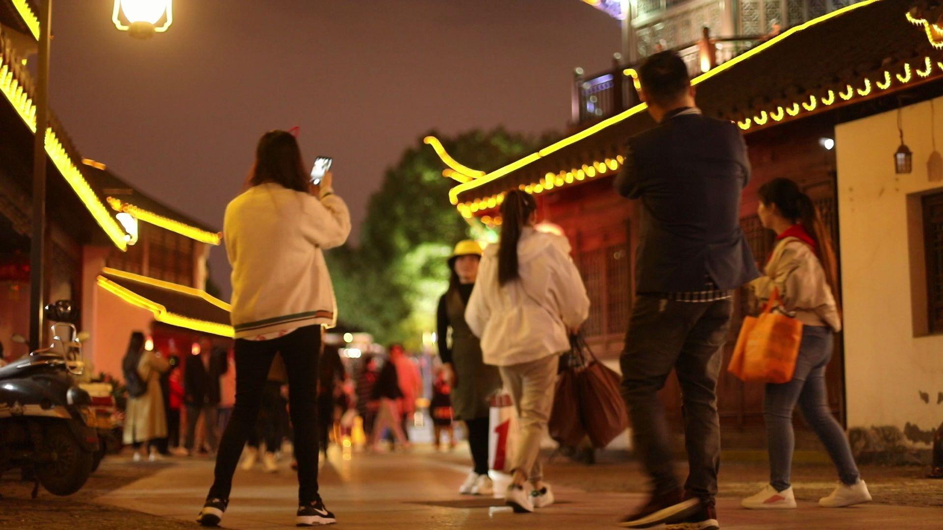 2分钟快速了解苏州古城的慢节奏夜生活