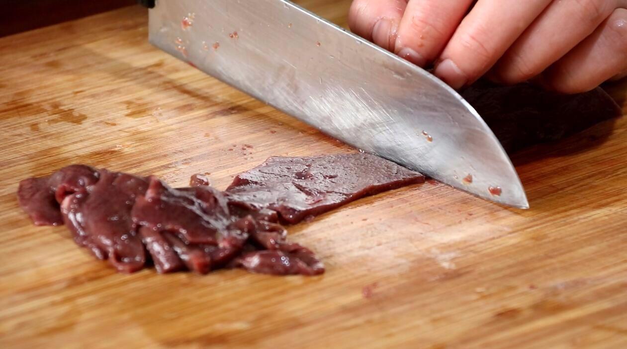 猪肝这样做猪肝嫩滑,教你挑选口感,不仅没批发市场如何腌制整框梭子蟹图片