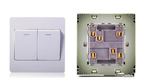 今天我们来看一下两个开关控制两个灯的接线,家装的时候可能会用到图片