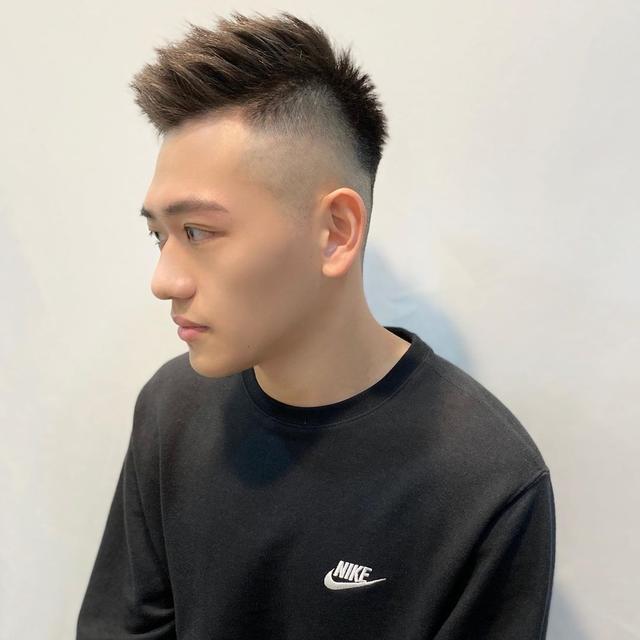 2020年男生帅气发型指南图片