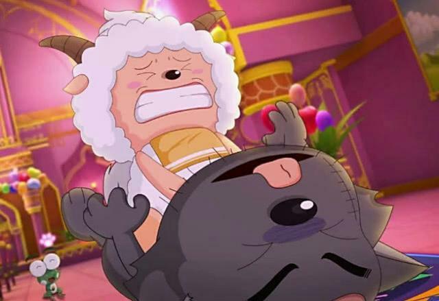 小羊们手上握着刀表情也是扭曲吓人,捆住了灰太狼和红太狼,并且愤怒的