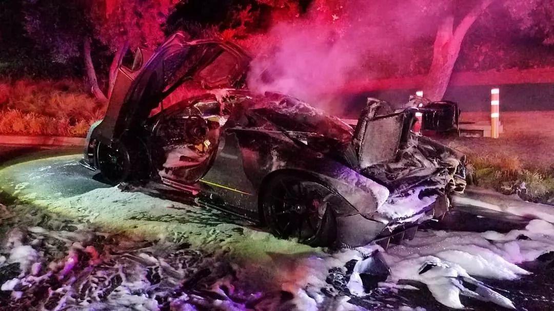 土豪哥的迈凯伦塞纳刚提车就烧毁自燃,只因为宝沃bx5噪音怎么样图片