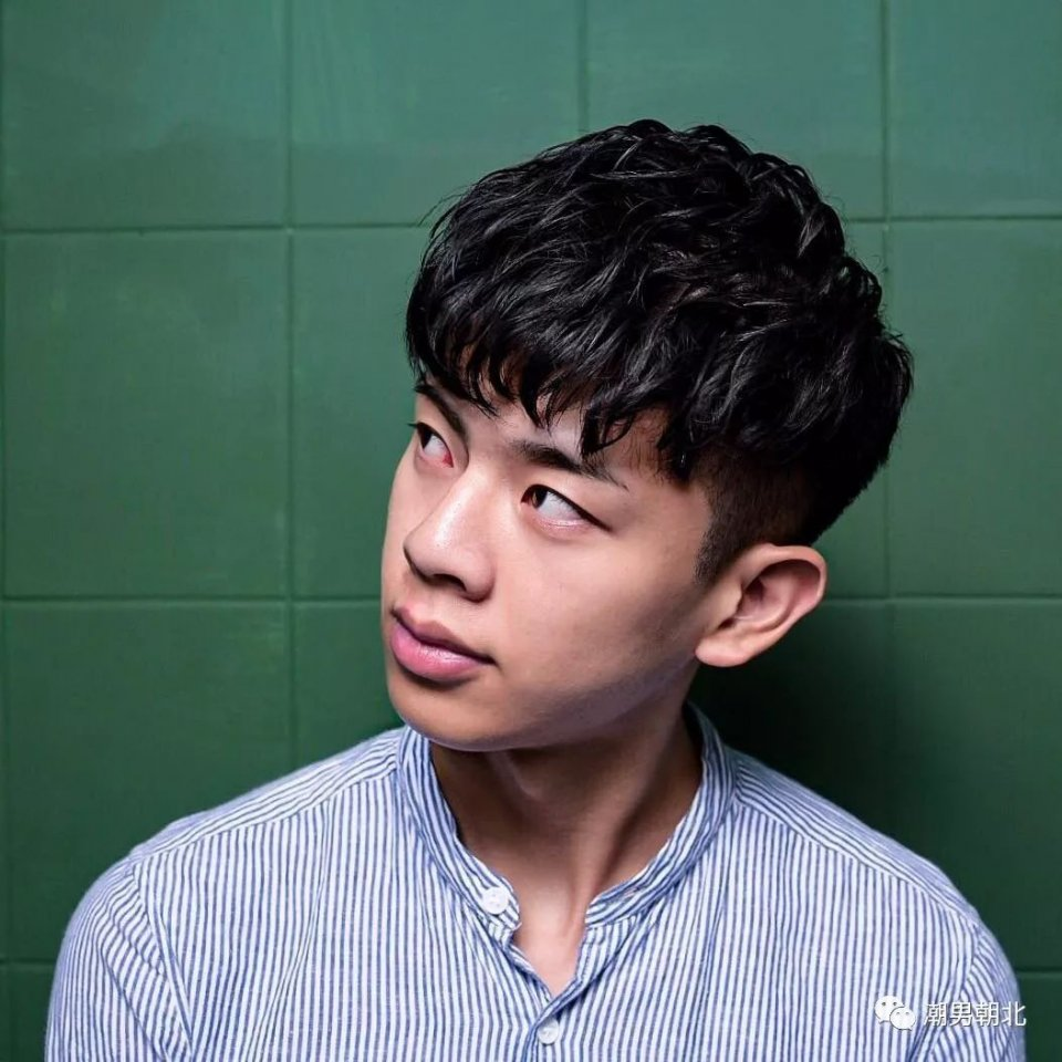 蓬松刘海发型.图片