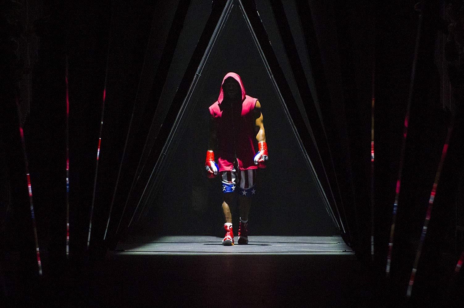 史泰龙拳击片《奎迪2》新照 不老硬汉大战肌肉男