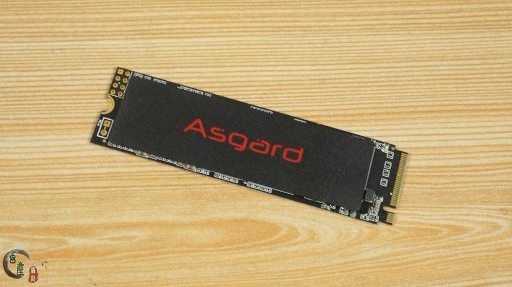 �yan9f�j_2接口ssd,支持nvme协议,品牌为阿斯加特,型号为an2系列,容量250g.