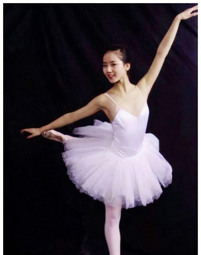 刘诗诗跳芭蕾舞视频曝光 美的不可方物的