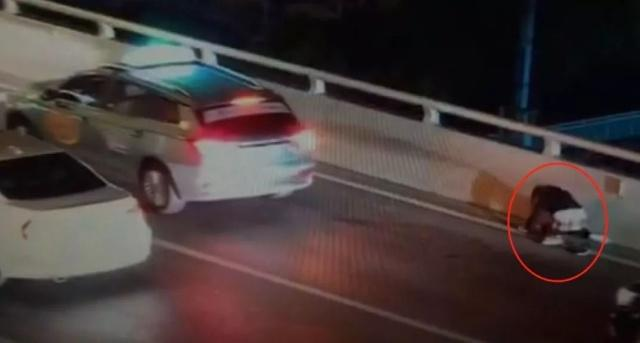 上海卢浦大桥:跳桥的少年,你为何没有走过十七岁的雨季?