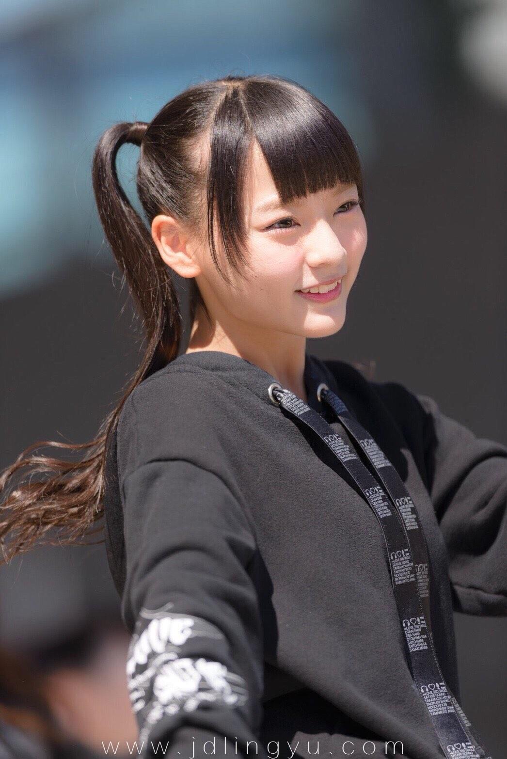 日本十四岁妹子齐藤渚,获新千年一遇美少女称女生初二脱内衣图片