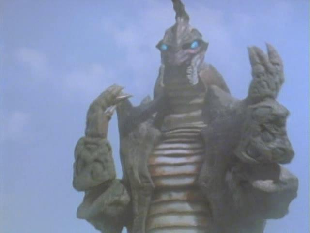 第39话超古代怪兽伽鲁拉的皮套是从艾勃隆改造而来; 6.