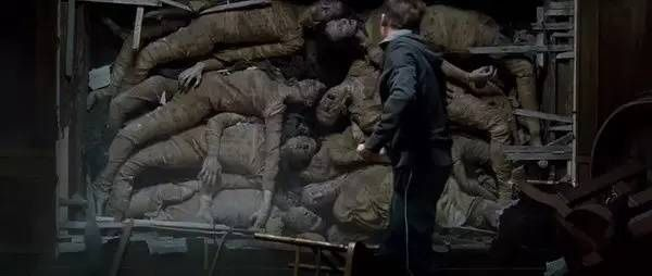 改编电影:《太平间闹鬼事件》