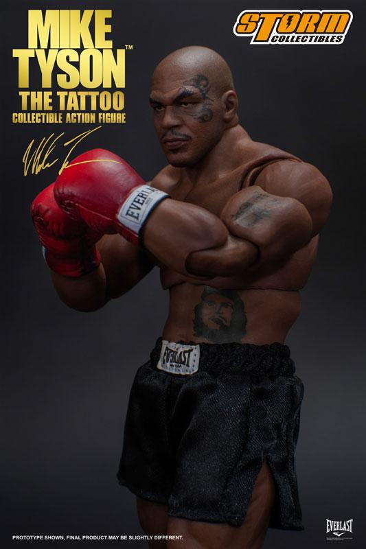 2005年与拳击手凯文·麦克布莱德打最后一场比赛后,隔日正式宣布退役.图片