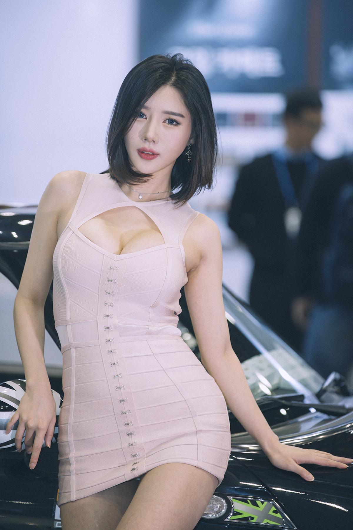 性感美女美女宋姝儿高清图片车模第二弹烤整个车展图片