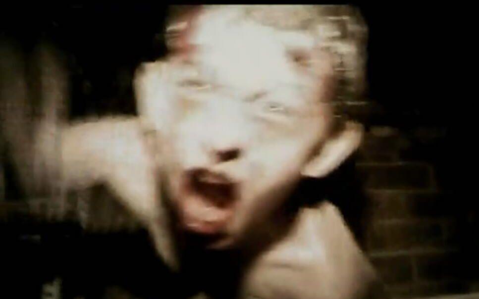【将军】几分钟看《死亡录像》女孩被囚房间十年终变丧尸恐怖(搞笑)至极