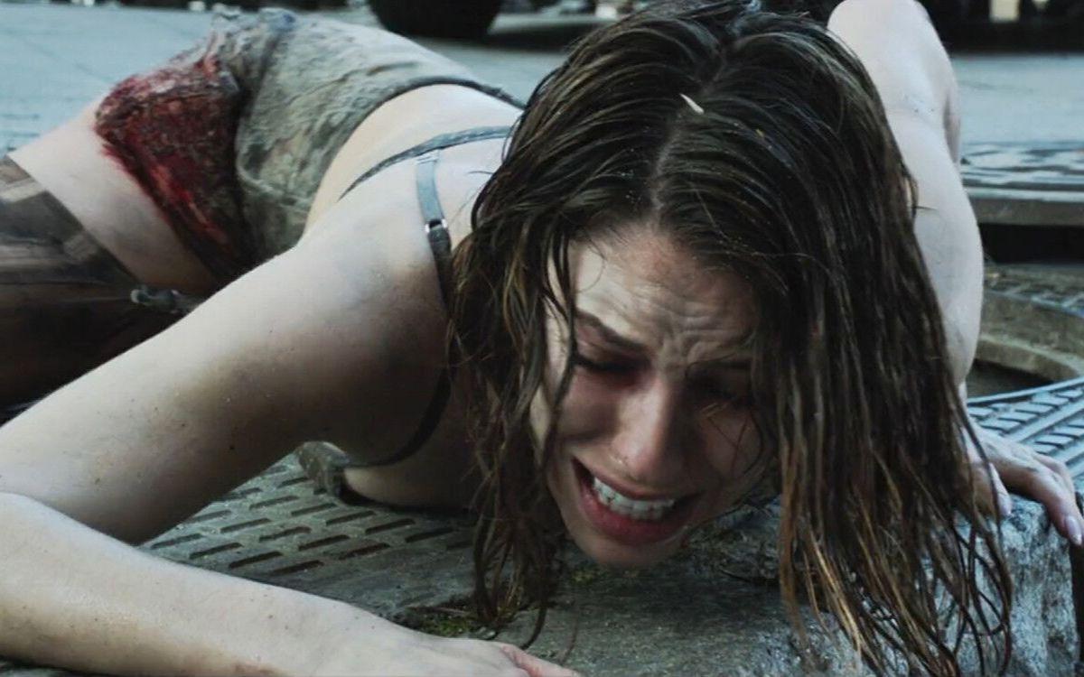 下水道里逃出个狼狈不堪的美女,她的经历说出