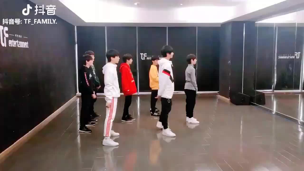 来看看TF家族三代练习生翻跳NCT U的《BOSS》_哔哩哔哩 (゜-゜)つロ ...