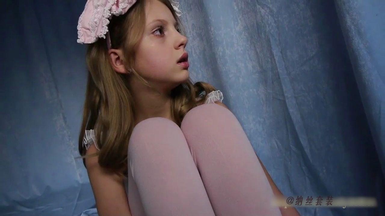 欧美小模特ValensiyaS的芭蕾体操服写真剪辑
