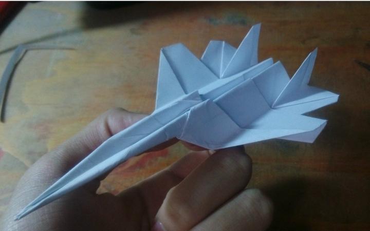 战斗纸飞机折法视频_【折.纸飞机】纸飞机叠法教程演示视频:MIG29飞机_哔哩哔哩 (゜ ...