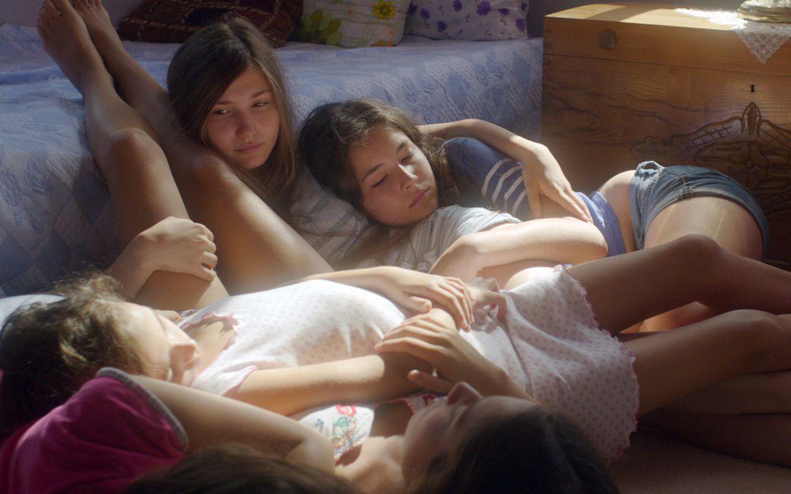 电影幼女性爱_在土耳其,女孩12岁就可以结婚,几分钟看完电影《野马》