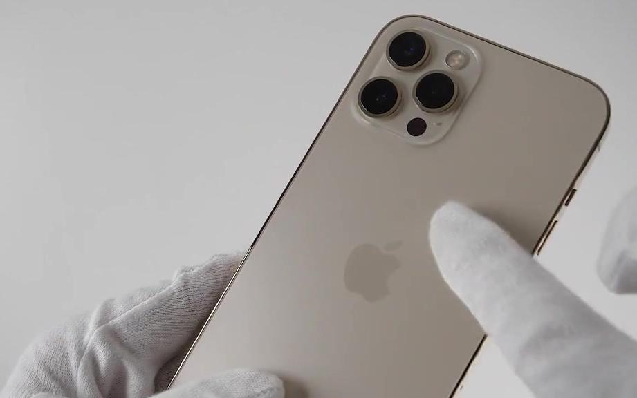 iPhone12 Pro Max开箱,没有配音的展示,你更中意哪个颜色
