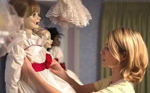 五分钟带你看完鬼娃娃电影《安娜贝尔》长得丑不是错,粗来吓人就不对了